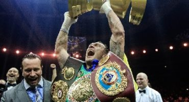 We have a winner – Usyk becomes inaugural Ali Trophy Champion!