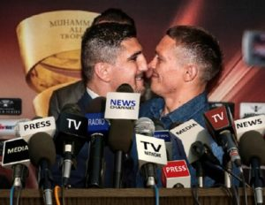 Huck Pushes Usyk At Final Press Conference In Berlin